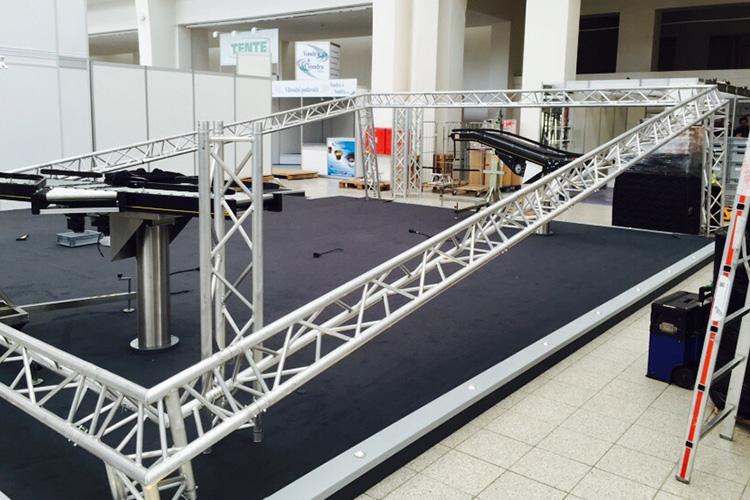 truss-stands